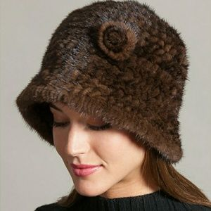 Knitted Danish Mink Fur Cliche Hat with Flower